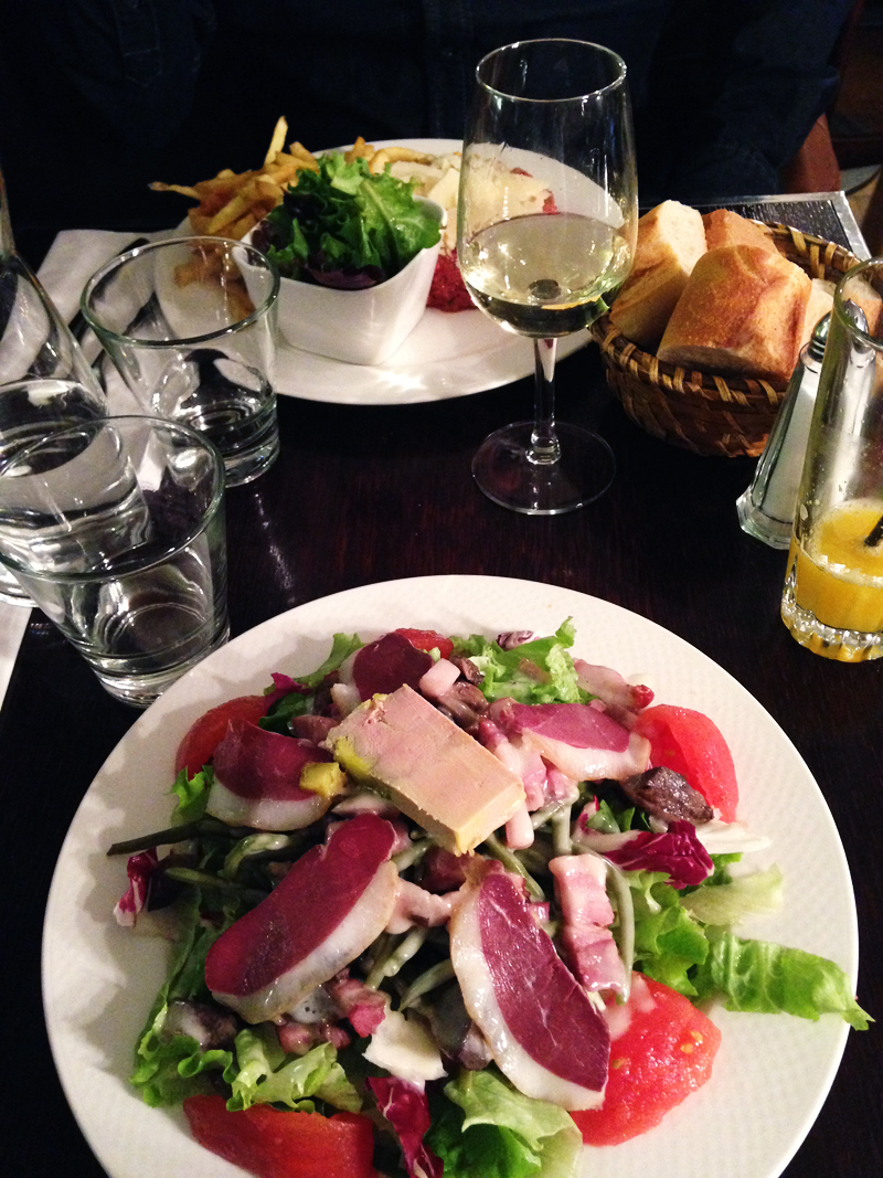 Travel-paris-for-the-weekend-hotspots-hotels-ivgtravels-irenevanguin-blog-rotterdam-parijs-lunch-lamascotte
