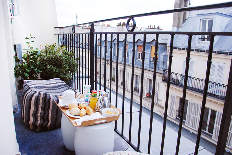 irenevanguin-parisian-rooftops-fashion-blog-lifestyle-travel-ivgtravels-paris-parijs-weekend-kirobykim-9hotel-opera-balcony-knitwear