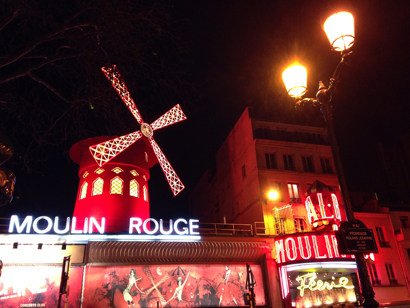 paris-for-the-weekend-travel-hotspot-ivgtravels-irenevanguin-lifestyle-blog-moulin-rouge-friday-night