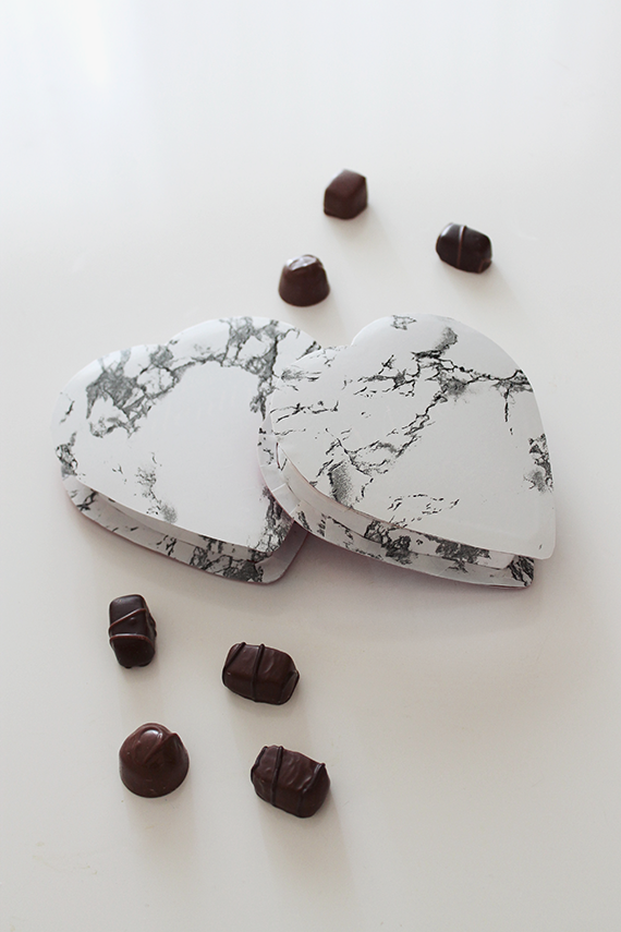 diy-marble-valentines-chocolate-boxes-almost-makes-perfect