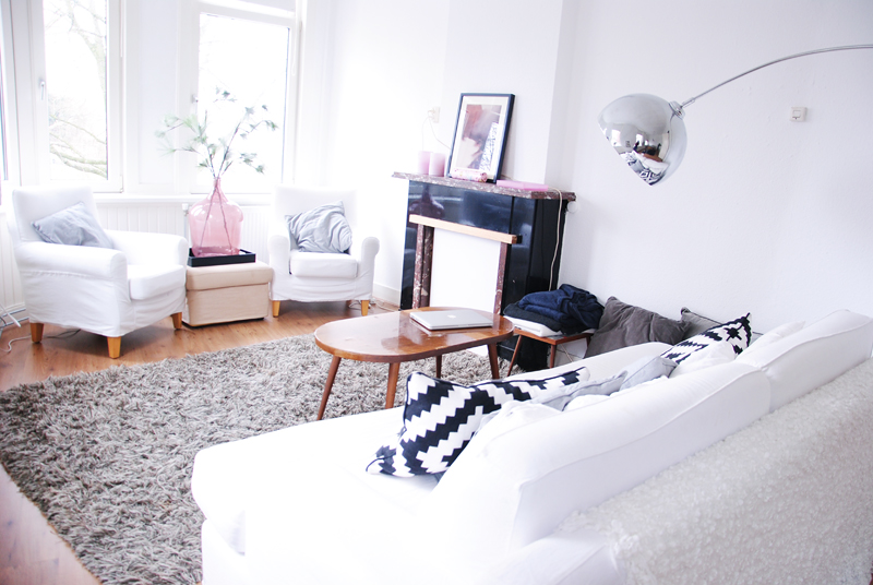 home-tour-inspiration-white-decor-interior-bedroom-irenevanguin-lifestyle-fashion-design-blog-woonkamer