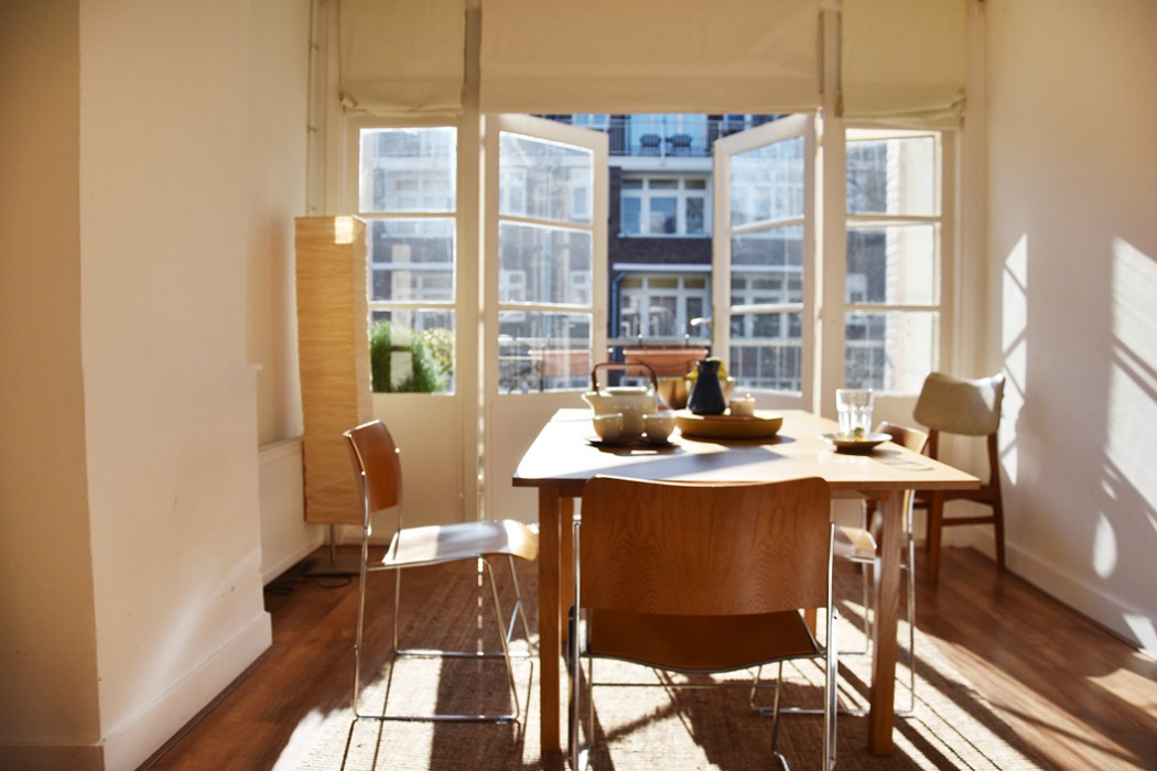 hometour-irene-van-guin-blog-rotterdam-interior-appartment-home-eetkamer-dining-table-sunlight