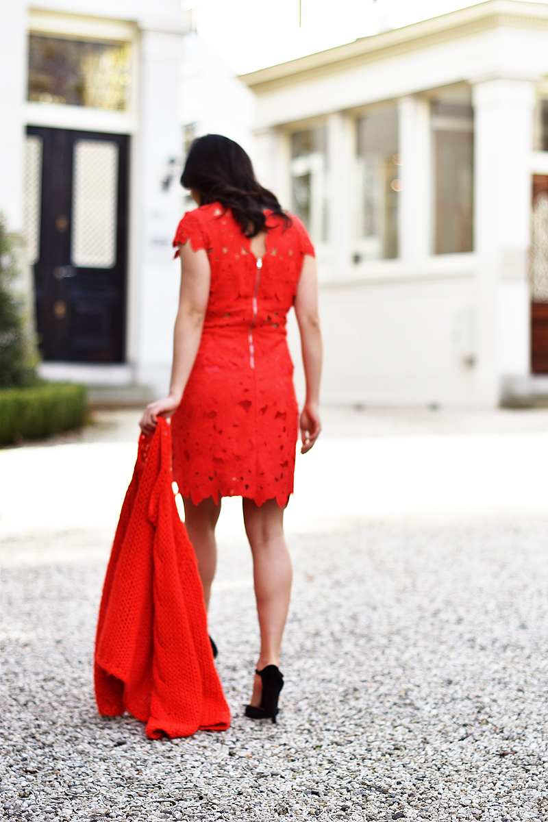 the-red-dress-irene-van-guin-total-red-outfit-style-kirobykim-lace-dress-sheinside