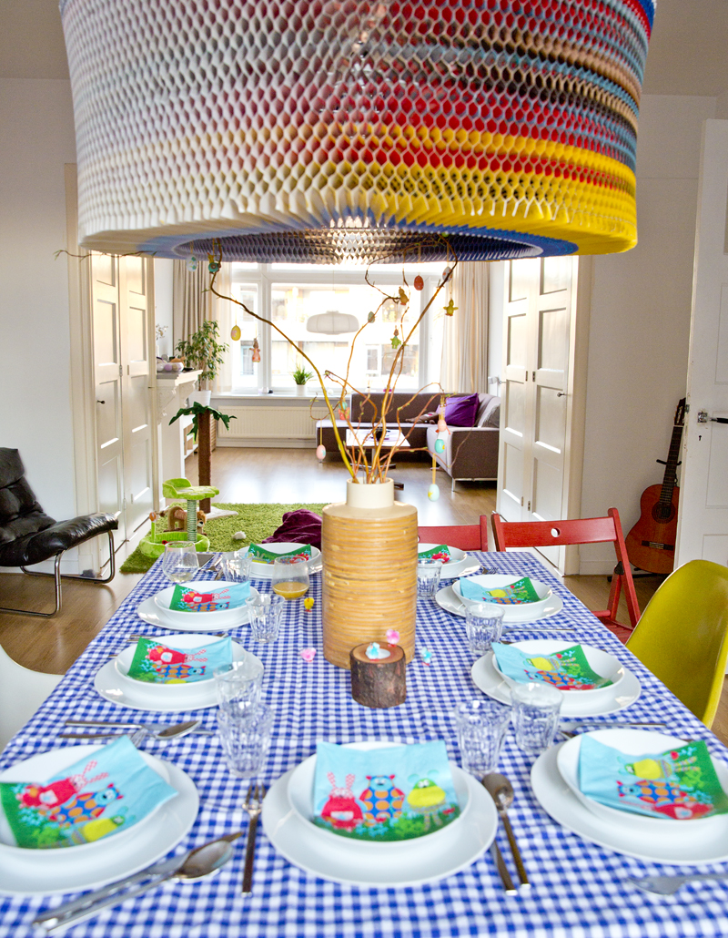 hometour-interior-colorfull-house-irenevanguin-easter-table-dining