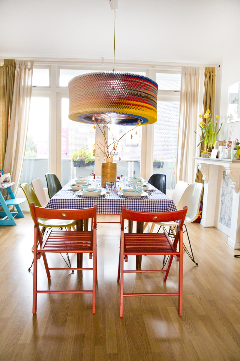 hometour-interior-colorfull-house-irenevanguin-easter-table