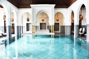 la-mamounia-marrakech-ivg-travel-irene-van-guin-blog-blogger-pool-lunch-buffet-satc-morroco-swimming-indoor