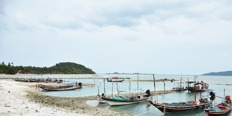 5-x-beaches-you-should-visit-in-thailand-koh-madsum-longtail-boat