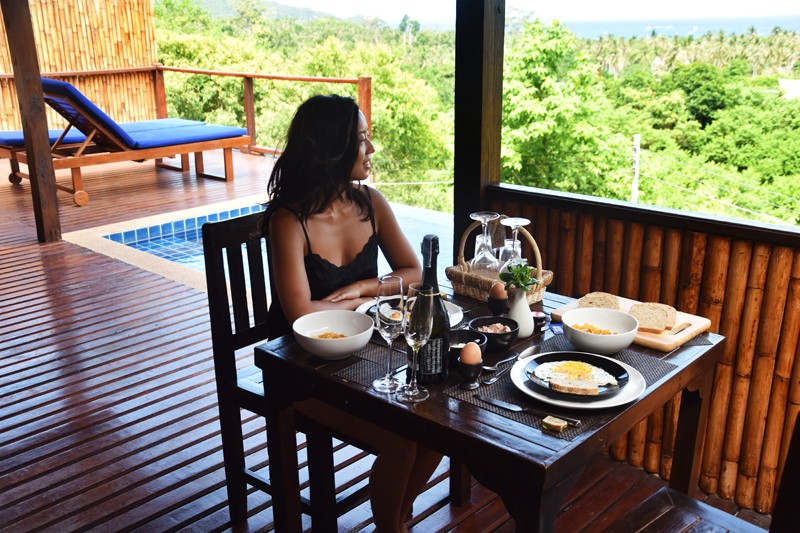 the-place-koh-tao-thailand-travel-ivgtravels-irene-van-guin-blog-private-terrace-bunglow-lodge