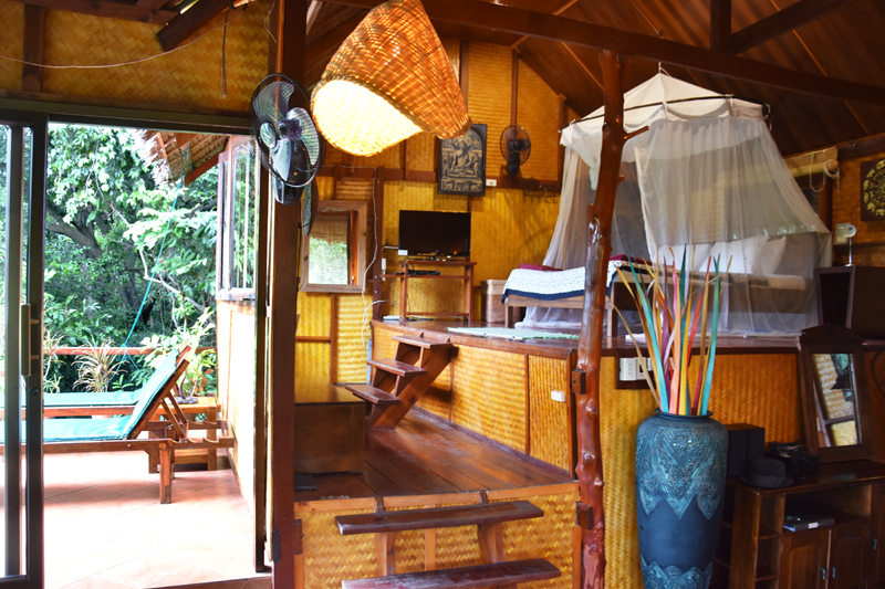 the-sanctuary-resort-koh-phangan-irene-van-guin-travel-detox-yoga-star-house-lodge-jungle