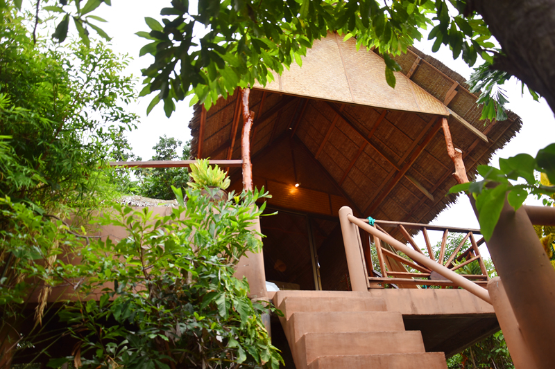 the-sanctuary-resort-koh-phangan-irene-van-guin-travel-detox-yoga-star-house-lodge