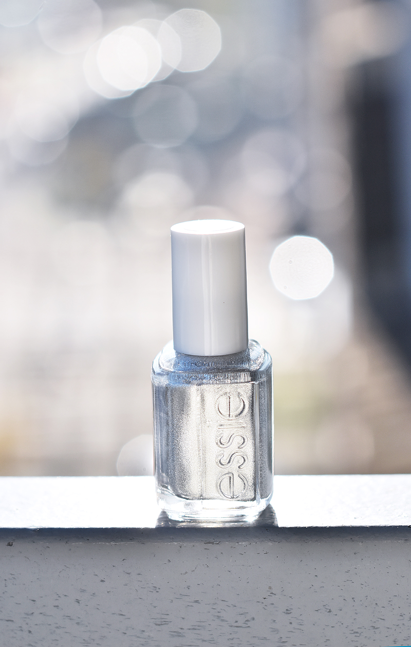 essie-winter-collection-2015-apres-chic-swatch-review