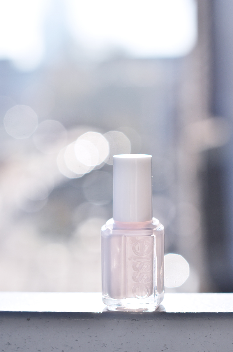 essie-winter-collection-2015-nagelak-nailpolish-irene-van-guin-peak-show
