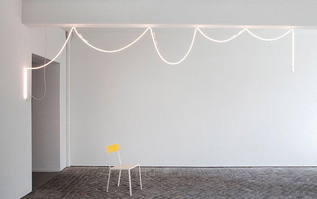 effortless-interior-design-muller-van-severen-neon