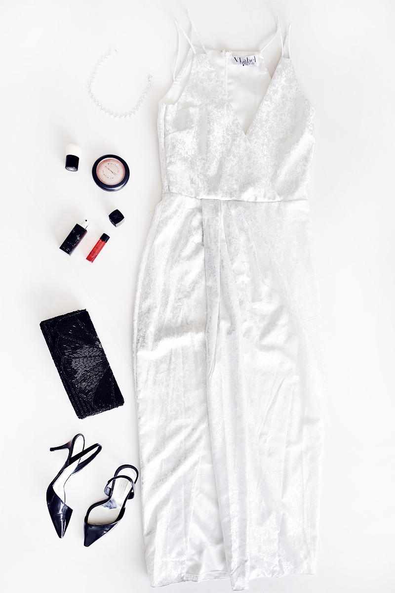party-looks-perfect-christmas-newyears-eve-outfits-looks-silver-metallic-dress-stella-mccartney-heels