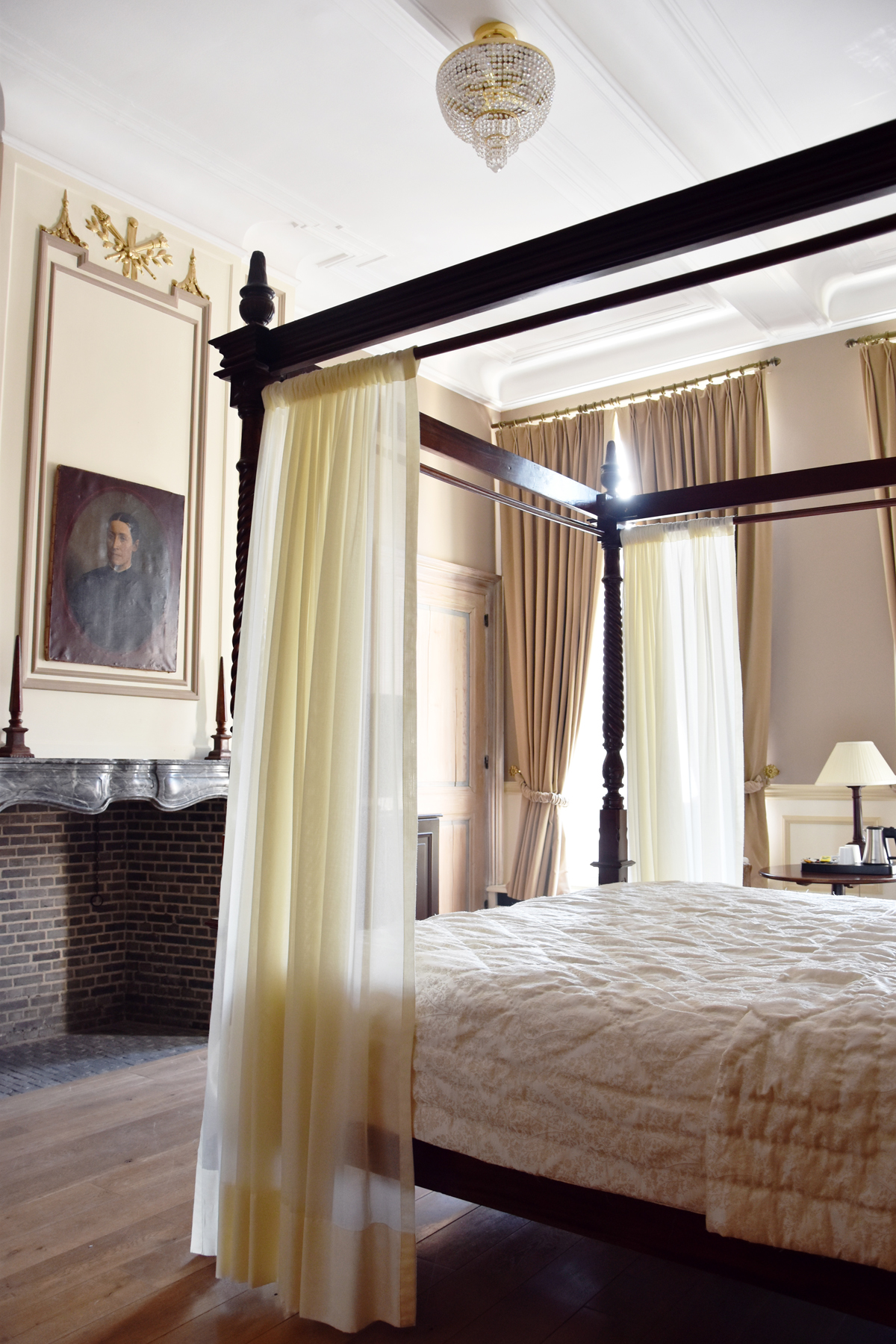 irenevanguin-travel-hotspot-brugge-bruges-hotel-tuilerieen-suite-executive-royal