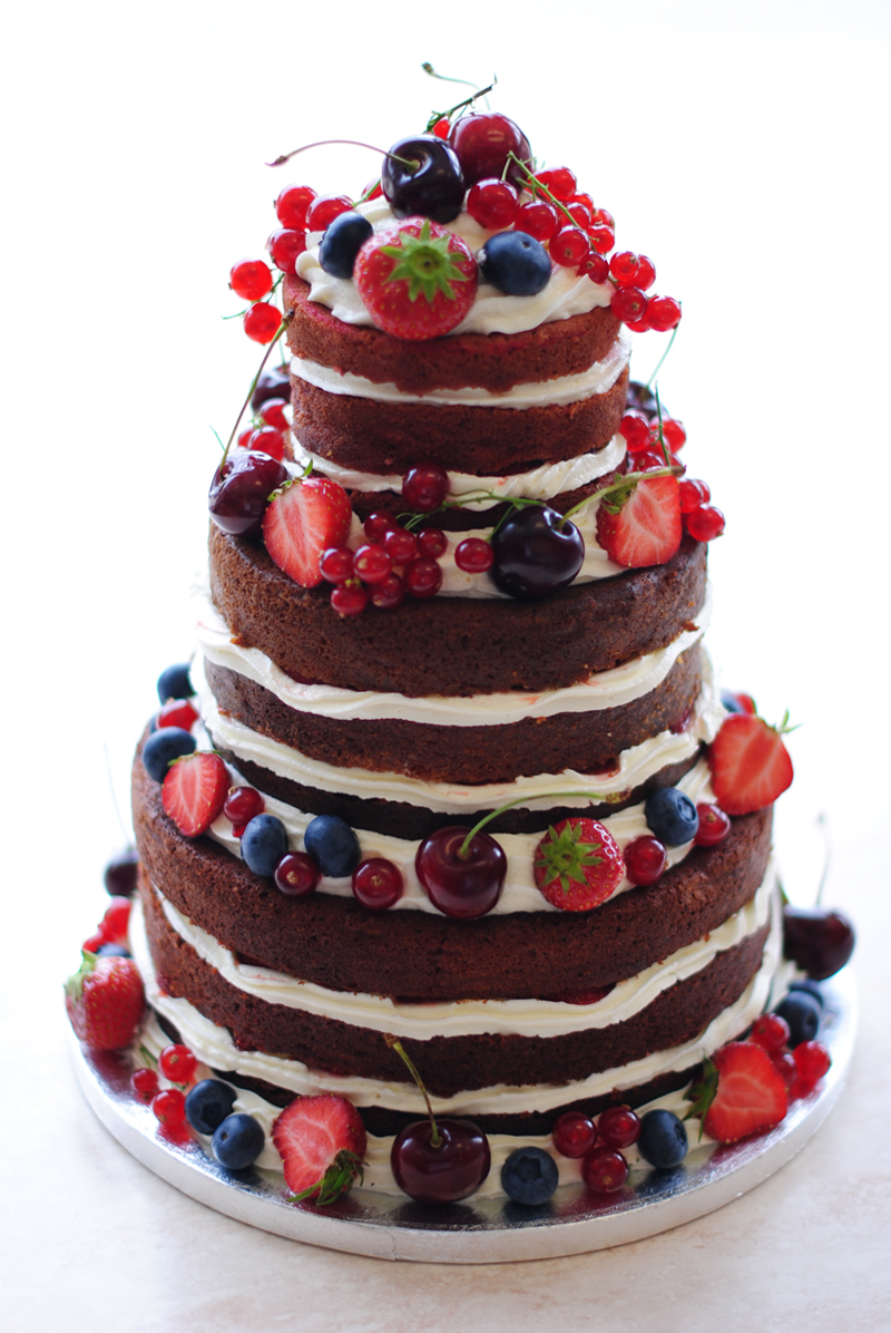 irenevanguin-blog-clean-eating-reflects-skin-diet-naked-cake-fruits-red