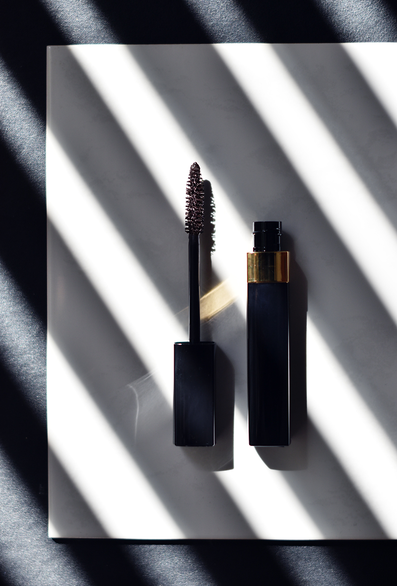 CHANEL-FALL-2016-LE-ROUGE-COLLECTION-N°1-irenevanguin-blog-review-beauty-dimension-mascara-brown-taupe