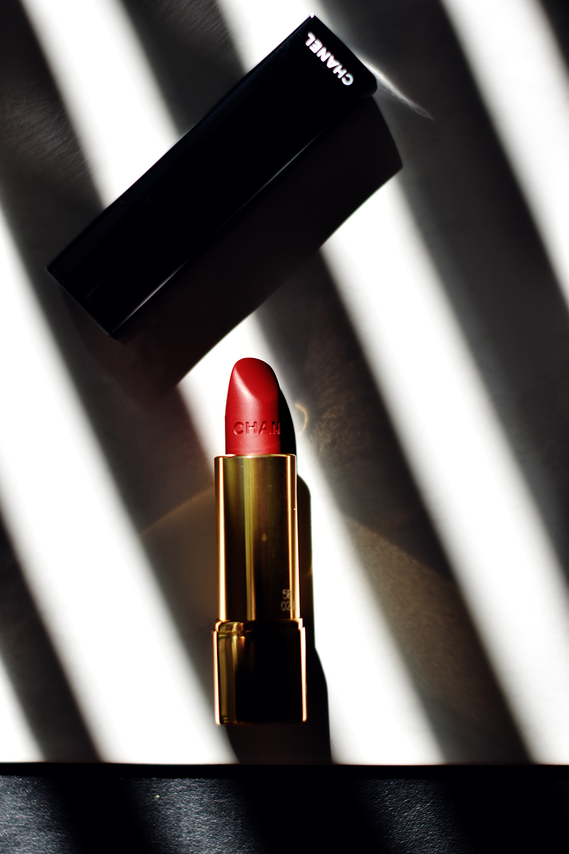 CHANEL-FALL-2016-LE-ROUGE-COLLECTION-N°1-irenevanguin-blog-review-beauty-rouge-vie-58-lipstick