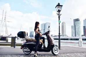peugeot-django-takes-you-there-irenevanguin-scooter-allure-rotterdam