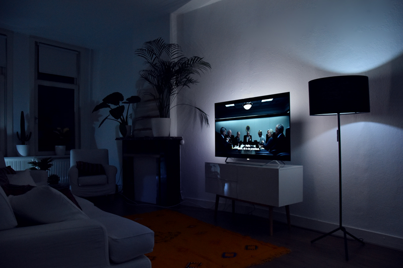 philips 4k oled tv will blow your mind irene van guin. Black Bedroom Furniture Sets. Home Design Ideas
