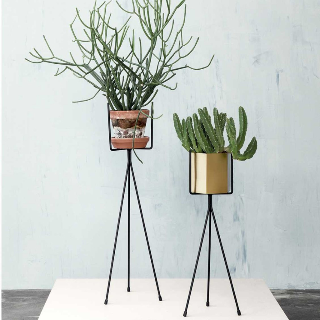 mister-design-ferm-living-plant-stand-high-sfeer-5