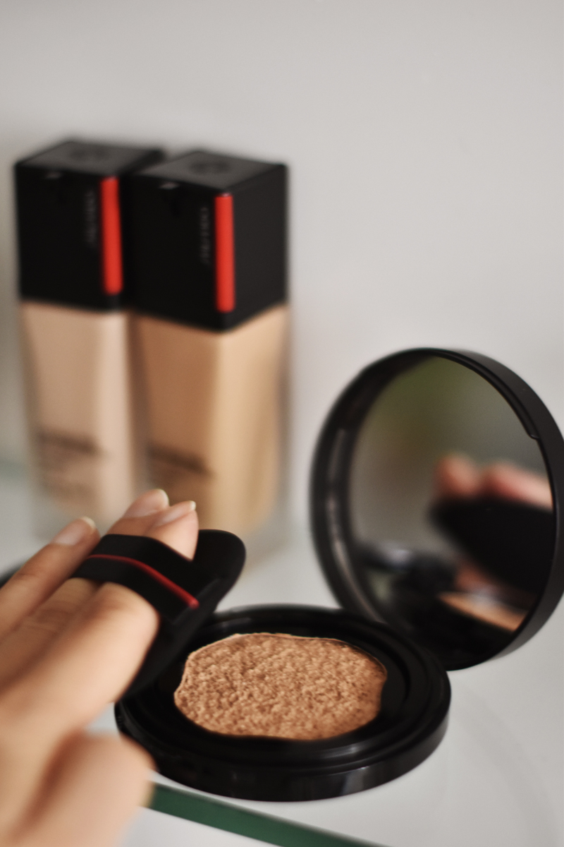 Shiseido-Synchro-Skin-Self-Refreshing-Foundation-concealer-3